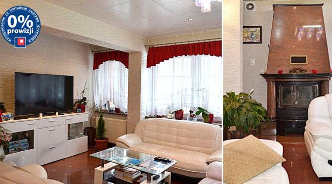 po lewej salon, po prawej zbliżenie na kominek w ekskluzywnej rezydencji na sprzedaż Jelenia Góra (okolice)