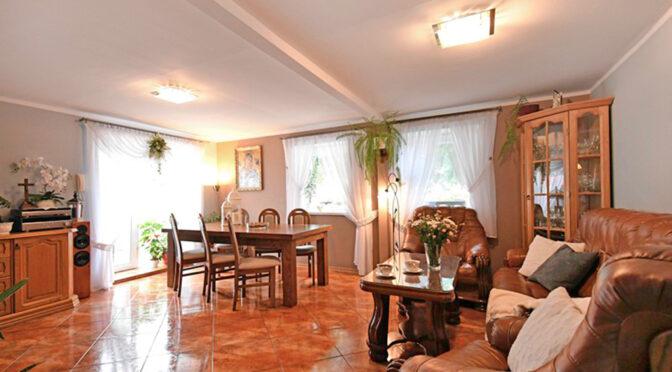 stylowy salon w ekskluzywnej rezydencji na sprzedaż Mazury