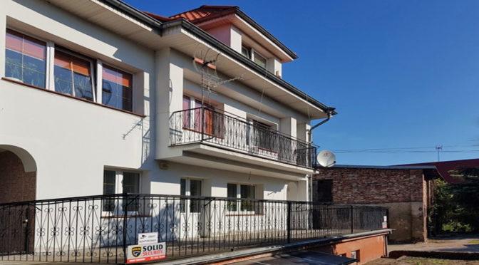widok od strony tarasu na ekskluzywną rezydencję na sprzedaż Szczecin