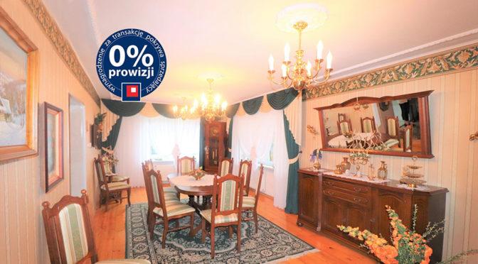 zaaranżowane w wytwornym stylu wnętrze salonu w ekskluzywnej rezydencji do sprzedaży Ustroń