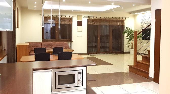 zaprojektowane w nowoczesnym stylu wnętrze ekskluzywnej rezydencji do wynajęcia Szczecin (okolice)
