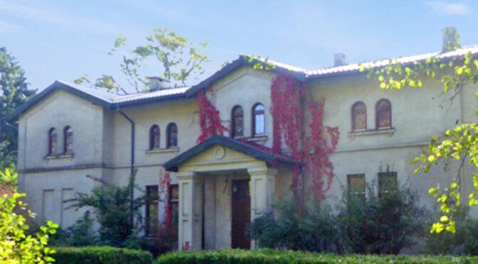 położona wśród zielenie luksusowa rezydencja na sprzedaż Łódź (okolice)