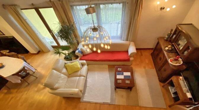 widok z góry na luksusowy salon w ekskluzywnej rezydencji na sprzedaż Gdańsk (okolice)