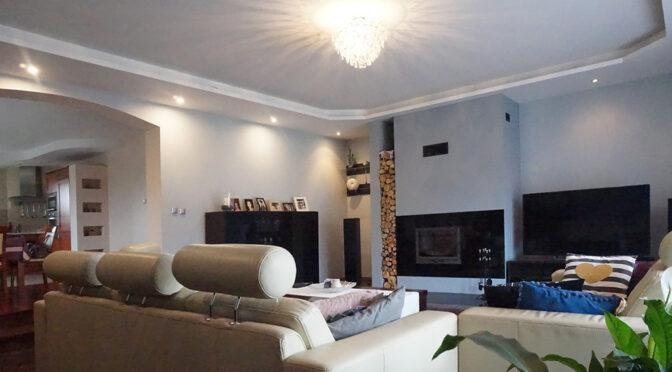 komfortowy salon w ekskluzywnej rezydencji do sprzedaży Wrocław