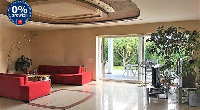 komfortowy pokój dzienny w ekskluzywnej rezydencji na sprzedaż Łódź (okolice)