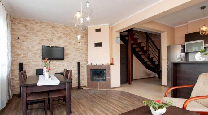 prestiżowy salon z kominkiem w ekskluzywnej rezydencji na sprzedaż Poznań (okolice)
