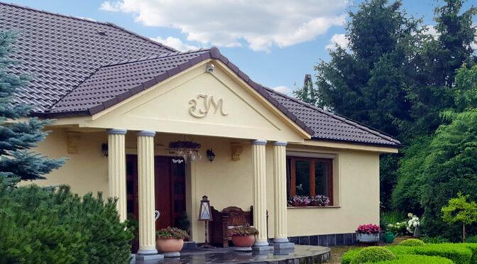 reprezentacyjne wejście z kolumnami do ekskluzywnej rezydencji do sprzedaży Gorzów Wielkopolski (okolice)