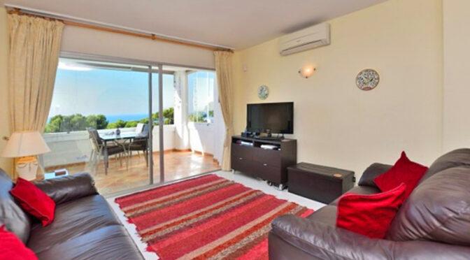 słoneczny salon w luksusowym apartamencie na sprzedaż Hiszpania (Costa del Sol, Malaga, Mijas)