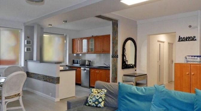 komfortowy salon w ekskluzywnym apartamencie na sprzedaż Malbork