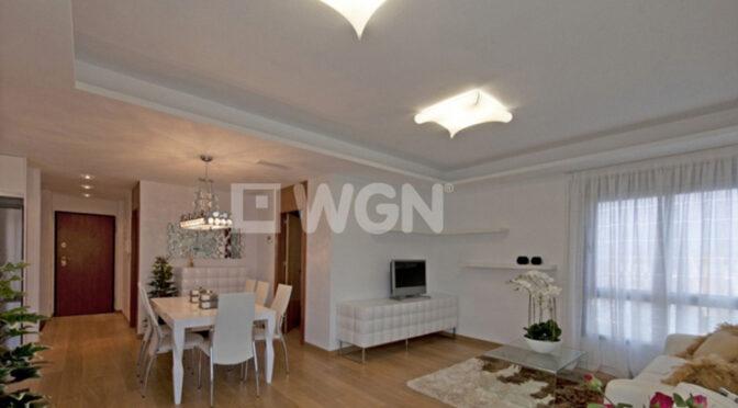 prestiżowy salon w ekskluzywnym apartamencie do sprzedazy Hiszpania (Costa Calida Kartagena, La Manga Del Mar Menor)