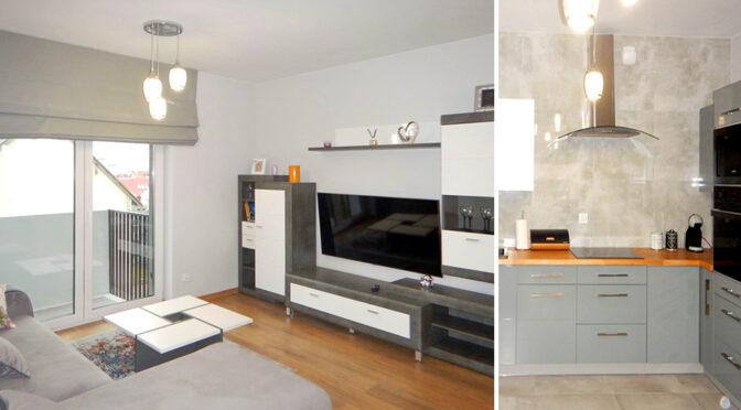 po lewej salon, po prawej kuchnia w luksusowym apartamencie do sprzedaży Szczecin