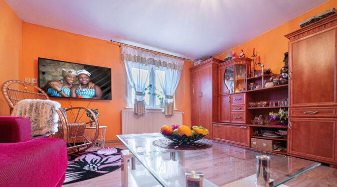 stylowy salon w ekskluzywnej rezydencji na sprzedaż Bolesławiec (okolice)