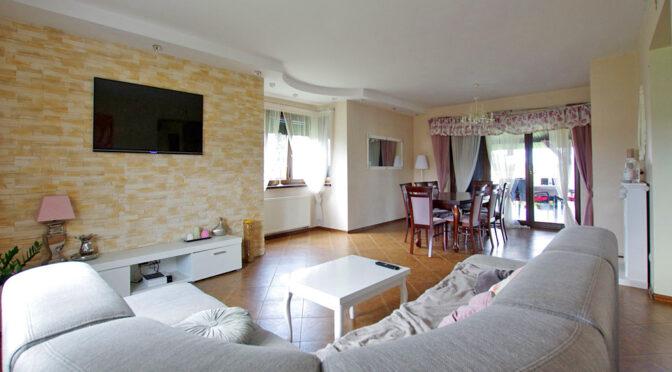 słoneczne wnętrze ekskluzywnej rezydencji na sprzedaż Legnica (okolice)