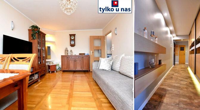 po lewej salon, po prawej hol w ekskluzywnym apartamencie na sprzedaż Inowrocław
