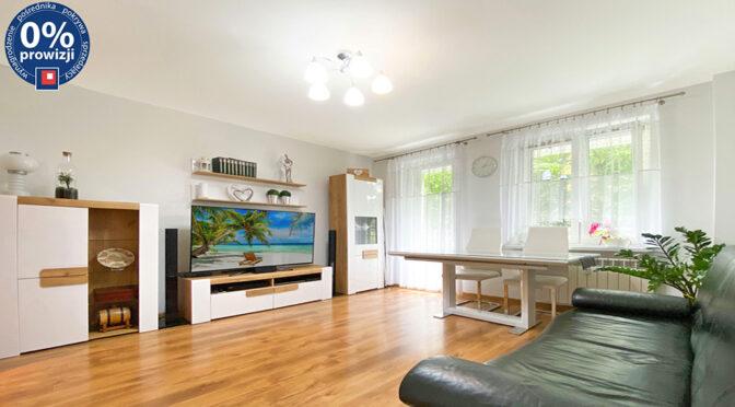 przestronny salon w ekskluzywnym apartamencie do sprzedaży Katowice (okolice)
