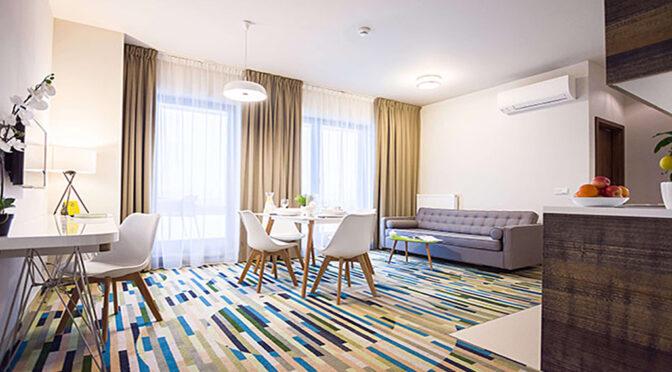 prestiżowy pokój dzienny w ekskluzywnym apartamencie do sprzedaży Kołobrzeg