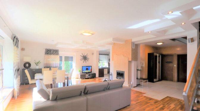 przestronne wnętrze luksusowej rezydencji na sprzedaż Bielsko-Biała (okolice)