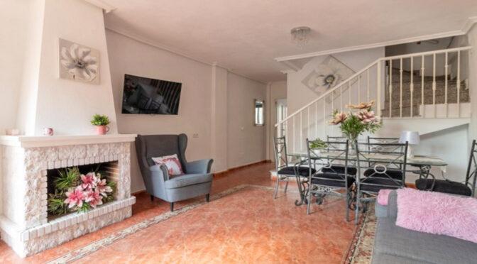 stylowy pokój dzienny w ekskluzywnej rezydencji do sprzedaży Hiszpania (Costa Blanca, Torrevieja)