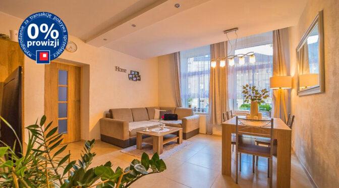 zaprojektowane w klasycznym stylu wnętrze ekskluzywnego apartamentu na sprzedaż Bolesławiec
