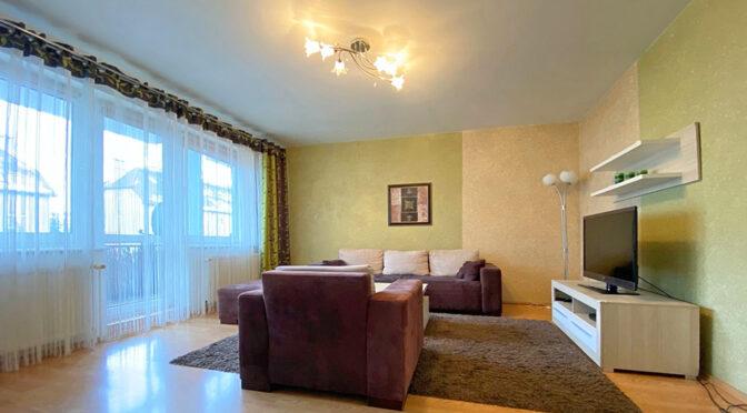 przestronny salon w ekskluzywnym apartamencie na sprzedaż Szczecin (okolice)