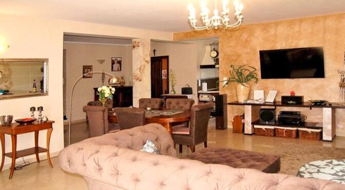 elegancki pokój gościnny w luksusowej rezydencji na sprzedaż Inowrocław