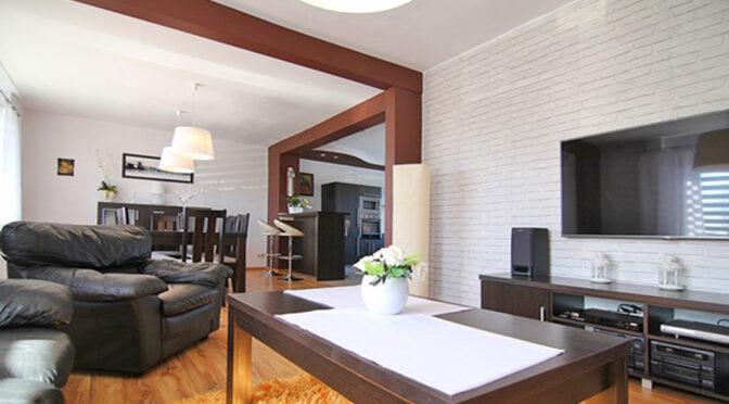 ciekawe rozwiązania aranżacyjne we wnętrzu luksusowej rezydencji na sprzedaż Łódź (okolice)