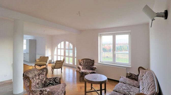 przestronne wnętrze luksusowej rezydencji na sprzedaż Cieszyn (okolice)