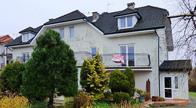 widok od strony ogrodu na luksusową rezydencję do sprzedaży Kołobrzeg (okolice)