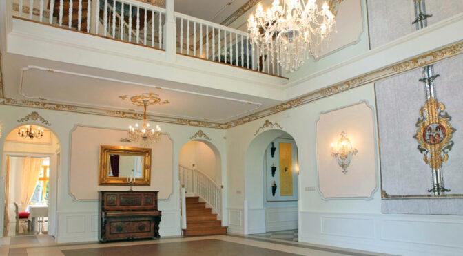 bogate wnętrze luksusowego pałacu do sprzedaży Dolny Śląsk