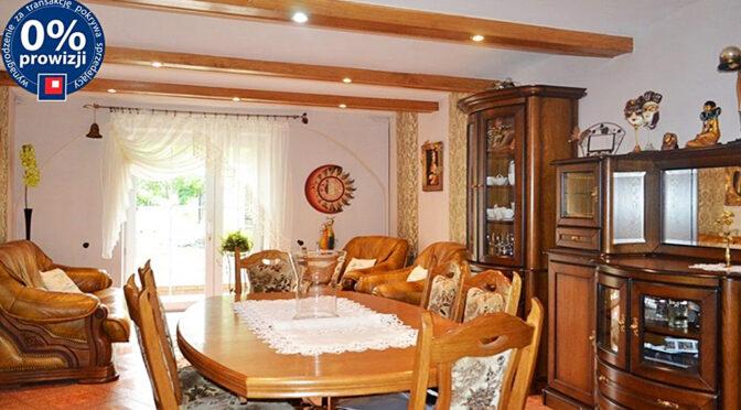 imponujący bogactwem salon w ekskluzywnej rezydencji na sprzedaż Bolesławiec (okolice)