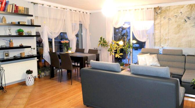 nowoczesny pokój gościnny w ekskluzywnej rezydencji do sprzedaży Kwidzyn