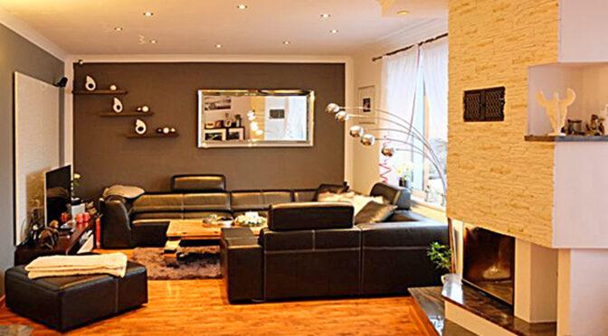 kameralny salon z kominkiem w luksusowej rezydencji do sprzedaży Świnoujście (okolice)