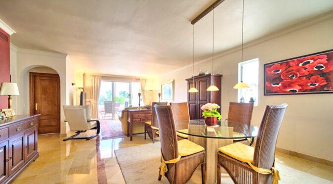słoneczne wnętrze luksusowego apartamentu na sprzedaż Hiszpania (Costa Del Sol, Marbella)