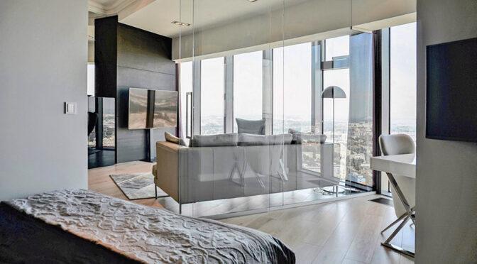 panoramiczne okna w salonie ekskluzywnego apartamentu do wynajmu Wrocław Krzyki