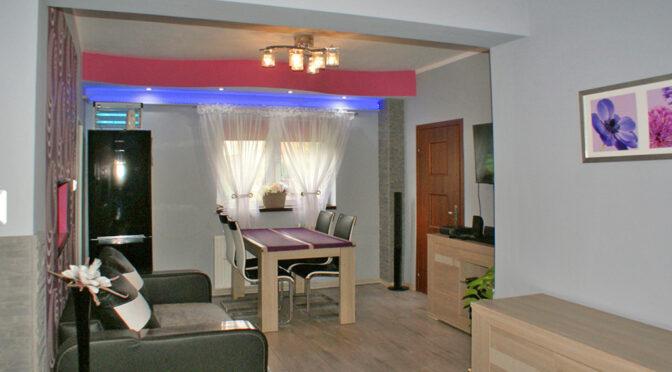 fragment salonu w ekskluzywnej rezydencji na sprzedaż Legnica (okolice)