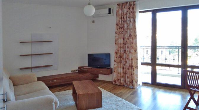 wytworny pokój dzienny w luksusowym apartamencie do sprzedaży Bułgaria (Sveti Włas)