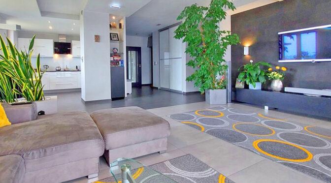 słoneczne wnętrze ekskluzywnego apartamentu do sprzedaży Piotrków Trybunalski