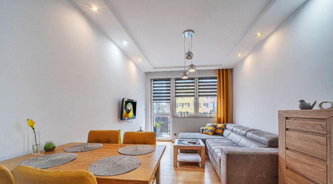 stylowo wykończony salon w luksusowym apartamencie do wynajęcia Bolesławiec