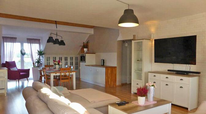 wytworny pokój dzienny w ekskluzywnej rezydencji do sprzedaży Malbork (okolice)