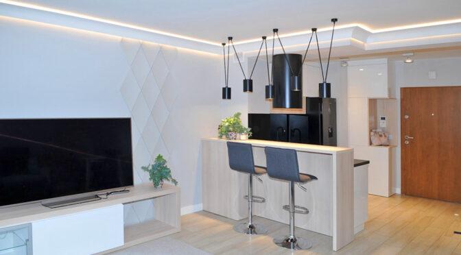 nowoczesny salon i aneks kuchenny w luksusowym apartamencie na sprzedaż Szczecin