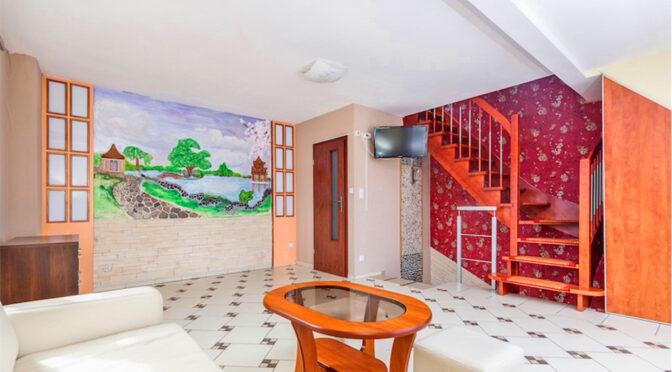ciekawa aranżacja wnętrza luksusowego apartamentu na sprzedaż nad morzem