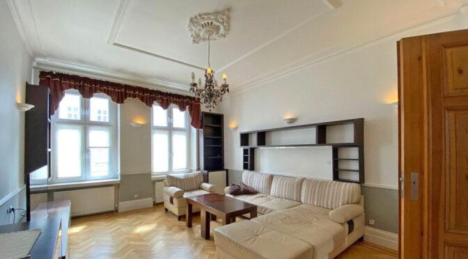 stylowy salon w luksusowym apartamencie na wynajem Szczecin