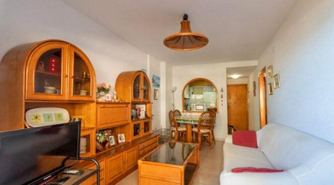 słoneczny pokój dzienny w ekskluzywnym apartamencie do sprzedaży Hiszpania (Costa Blanca, Orihuela Costa)