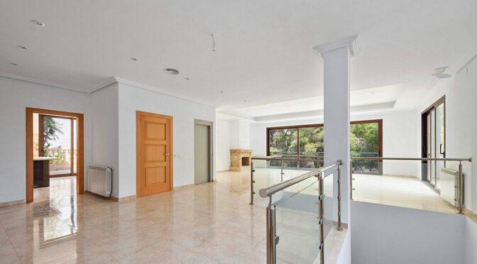 przestronne wnętrze luksusowej rezydencji na sprzedaż Hiszpania (Campoamor)