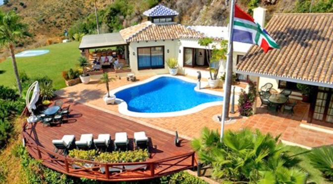 widok z lotu ptaka na luksusową rezydencję na sprzedaż Hiszpania (Costa Del Sol Marbella)