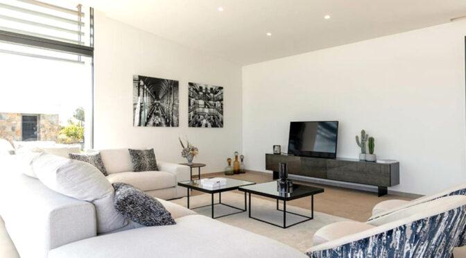 komfortowy pokój dzienny w ekskluzywnej rezydencji na sprzedaż Hiszpania (San Miguel De Las Salina)