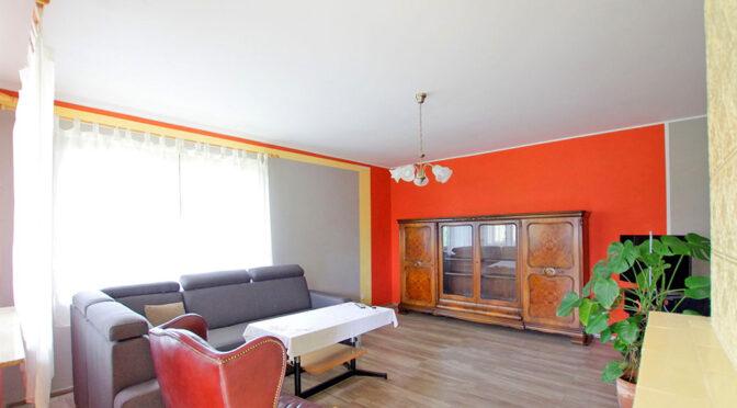 słoneczny pokój dzienny w ekskluzywnej rezydencji na sprzedaż Legnica (okolice)
