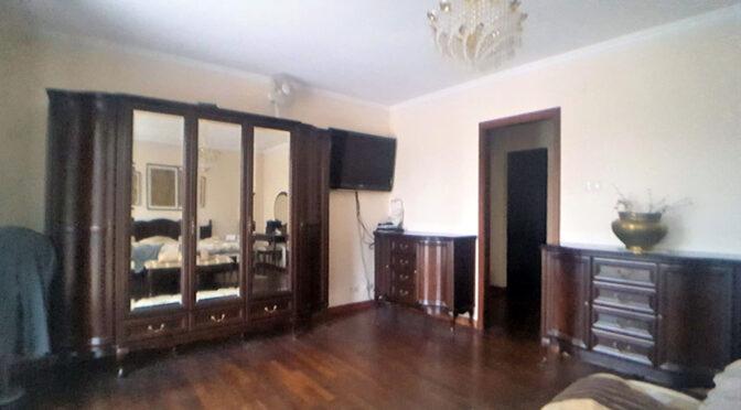 elegancki pokój dzienny w luksusowej rezydencji na sprzedaż Łódź