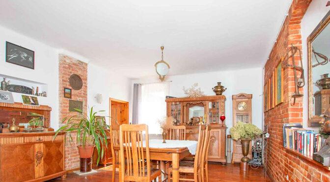 kameralny pokój gościnny z jadalnią w ekskluzywnej rezydencji na sprzedaż Poznań (okolice)