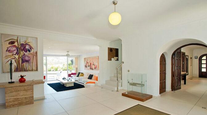wykończone w śródziemnomorskim klimacie wnętrze luksusowej rezydencji do sprzedaży Hiszpania (Costa Del Sol, Malaga)